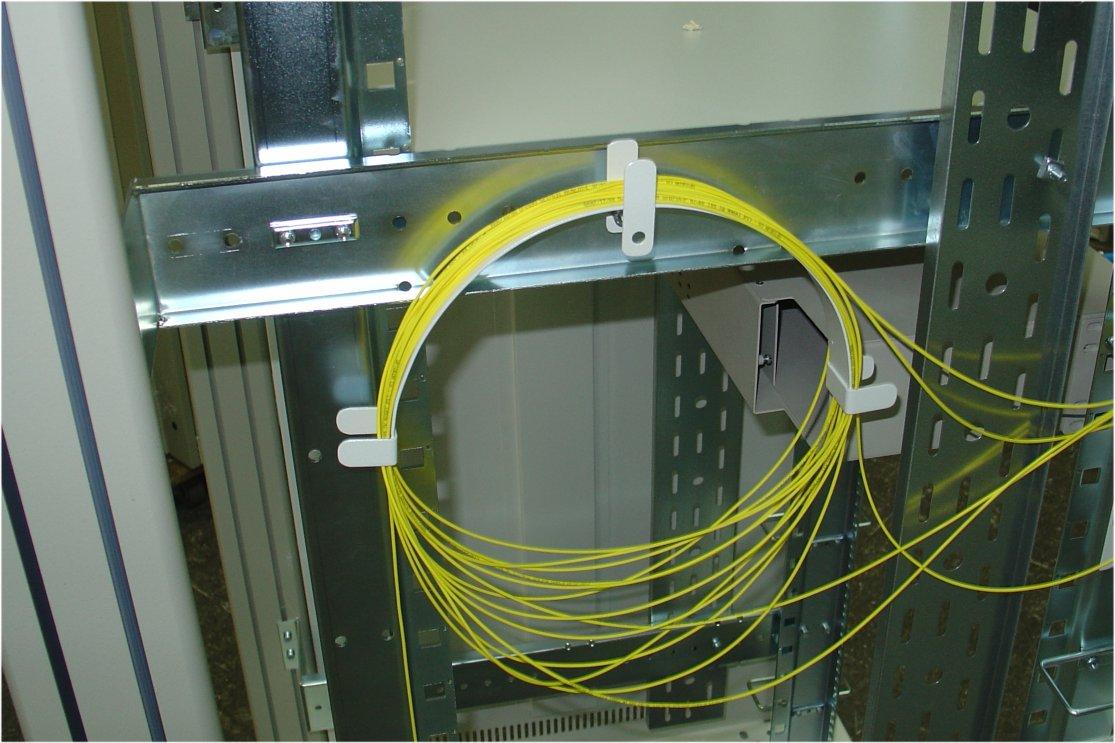 Vodilo kablov optika tip U